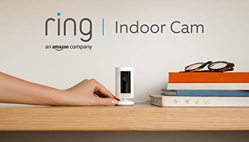 Ring Indoor Cam von Amazon, eine kompakte Plug-in-HD-Sicherheitskamera mit Gegensprechfunktion, funktioniert mit Alexa | Mit 30-tägigem Testzeitraum für Ring Protect | Weiß