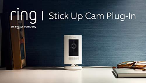 Ring Stick Up Cam Plug-In von Amazon, HD-Sicherheitskamera mit Gegensprechfunktion, funktioniert mit Alexa| Mit 30-tägigem Testzeitraum für Ring Protect | Weiß